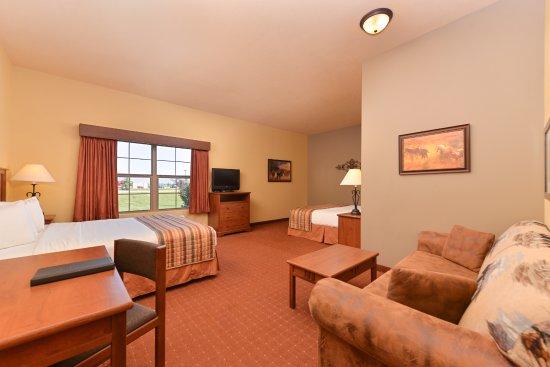 AmericInn Hotel & Suites Fargo South — 45th Street: 2 King 1- Room Suite, Sofa-Sleeper