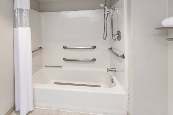 Accessible Bathtub - Picture of Hawthorn Suites by Wyndham DFW ...