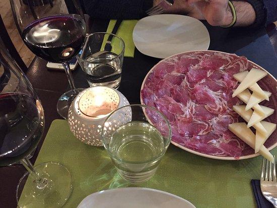 Lola Tapas Restaurante: photo1.jpg