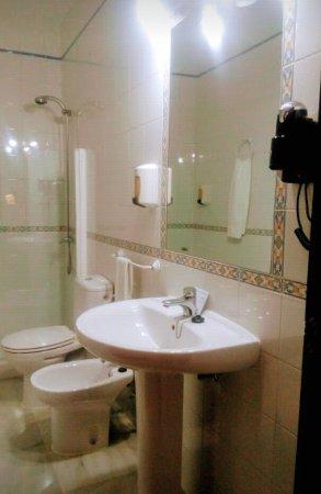 Hotel Gran Avenida: IMG_20171128_001343_large.jpg