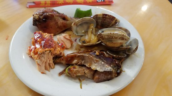Oxon Hill, MD: Plate #2 clams, salmon, whitefish & chicken drumstick