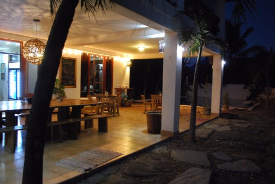 Las Salinas, Nicaragua: Dining area at night with great sunset views