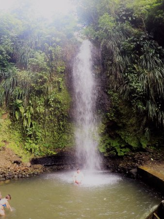 Vieux Fort, Sta. Lucía: The waterfall.