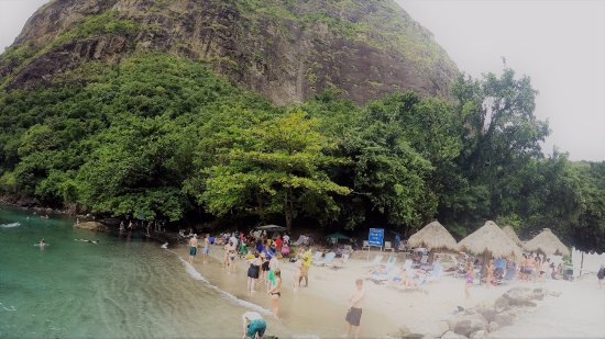 Vieux Fort, Sta. Lucía: This is the part of the beach that is included with the tour