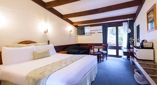 Blackheath Motor Inn: deluxe room