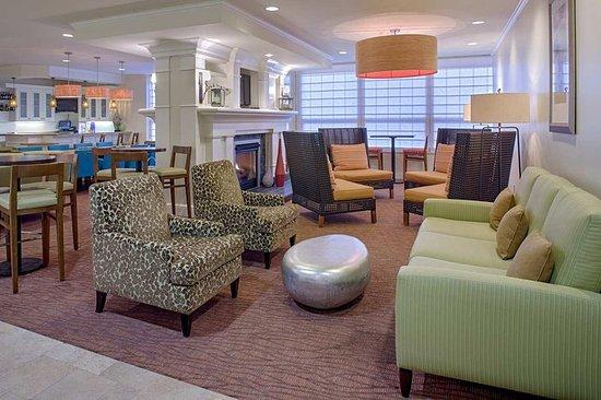 Hilton Garden Inn New Orleans French Quarter/CBD: Lounge and Bar