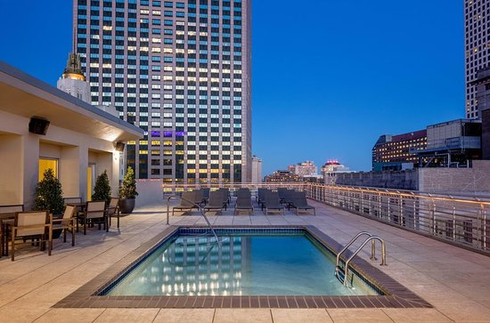Hilton Garden Inn New Orleans French Quarter/CBD: Roof Top Pool