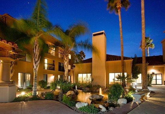 Courtyard Tucson Williams Centre: Courtyard Seating