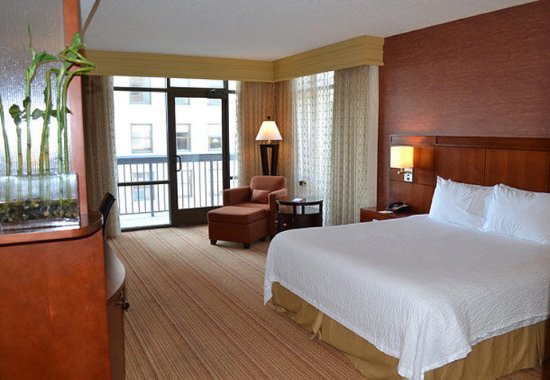 Downtown Memphis Hotels With Balcony