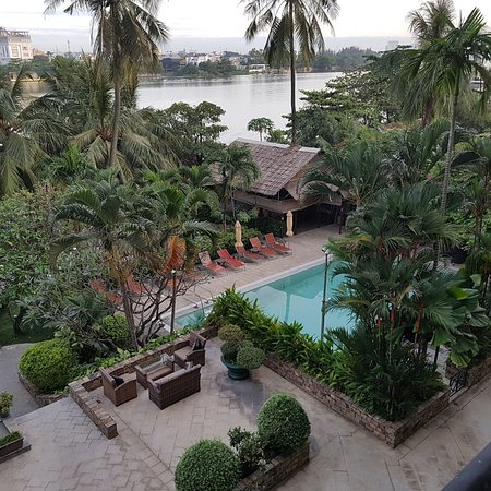 Saigon Domaine Luxury Residences: 20171126_060757_large.jpg