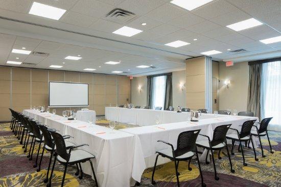 Burr Ridge, IL: Meeting Room