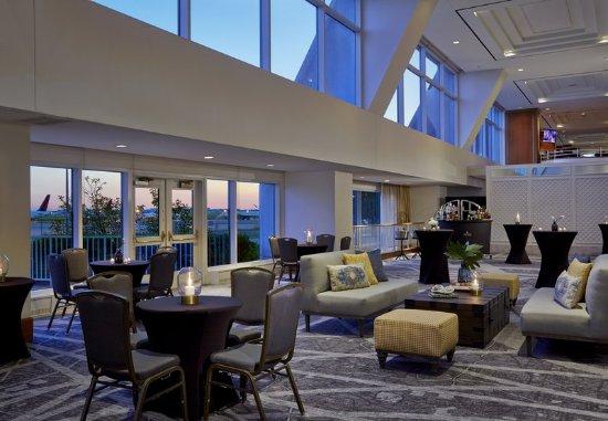 Renaissance Concourse Atlanta Airport Hotel: Lobby
