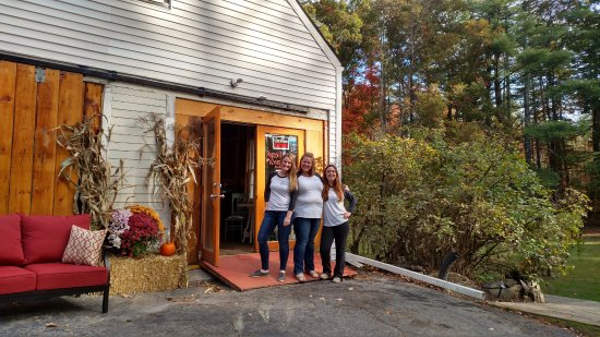 Brookline, NH: The Averill Crew @ the Grand Opening! Tastings Most Thursdays 11-6 & Sunday 11-4. Call 603-371-2