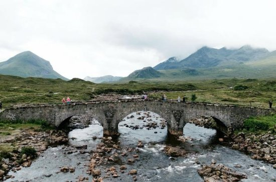 5-Day Isle of Skye, Loch Ness and the ...