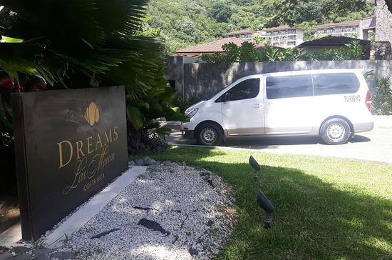 Airport Transfer to Dreams Las Mareas