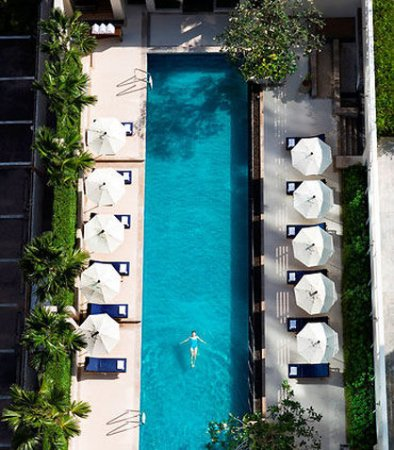 Courtyard by Marriott Bangkok: Outdoor Pool