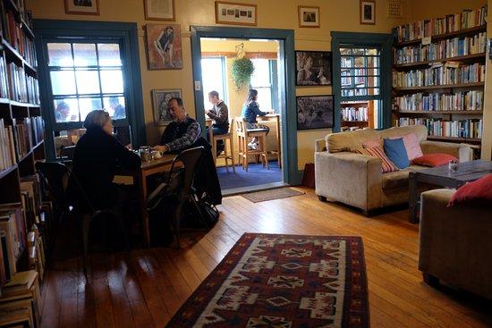 Wentworth Falls, Australia: The Blue Mist Cafe - upper level