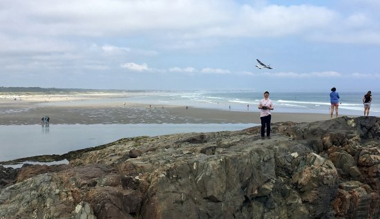Ogunquit Beach: Flying the Radian on the famous rock formation at the Marginal Way, overlooking the Ogunquit Bea