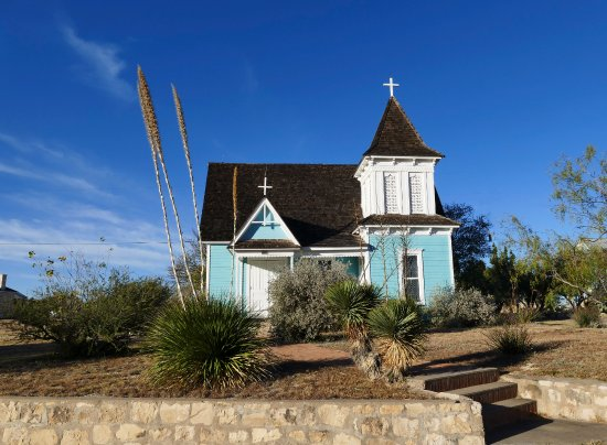 Fort Stockton, Teksas: This charming little church (St. Stephen's Episcopal) is right beside the fort.