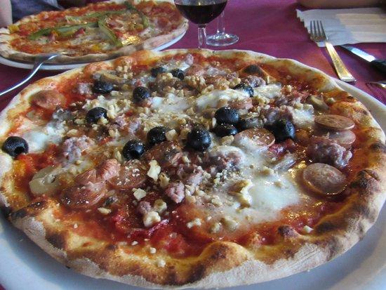 Pinasca, Italië: Pizza!