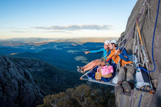 Bright, Australia: Cliff Picnics- Mt Buffalo. Rock Climbing and Abseiling