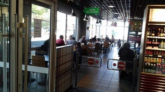 Salle picture of restaurant a la bonne heure digne les for Bains les bains restaurant