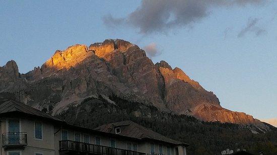 Ambra Cortina Hotel: Dalla finestra stanza 18