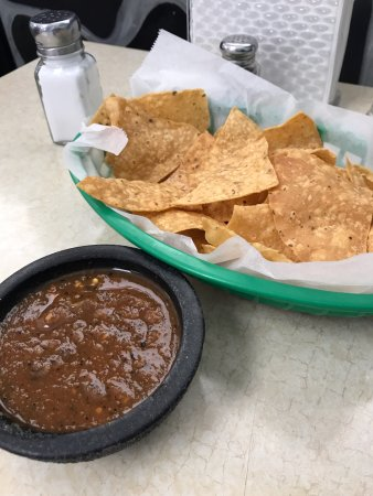 Streamwood, IL: Chips and Salsa