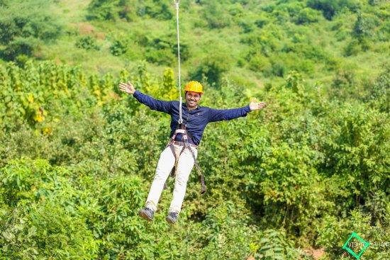 Dholikui, India: Zip Line