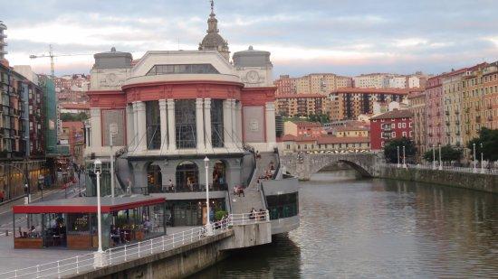 La Ribera Market: Coração do casco velho. Mercado de la Ribera
