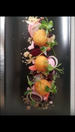 Turvey, UK: Crispy Goats Cheese with Beetroot