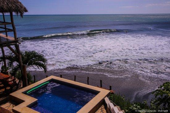 Puerto Sandino, Nicaragua: Ocean view pool bar