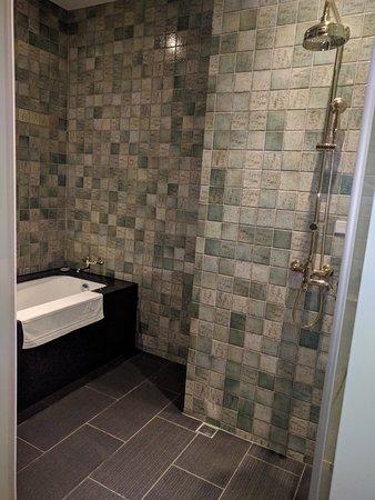 Wet Area Shower Bath In Separate