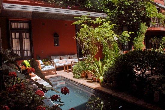 Be Jardín Escondido by Coppola: Patio