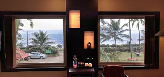 Asokam Beach Resort: Asokam Suite Room - Panoromic view of Arabian Sea from room