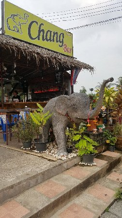Khuk Khak, Tailandia: Chang bar