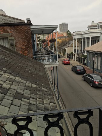 Olivier House Hotel: Balcony view - room 214
