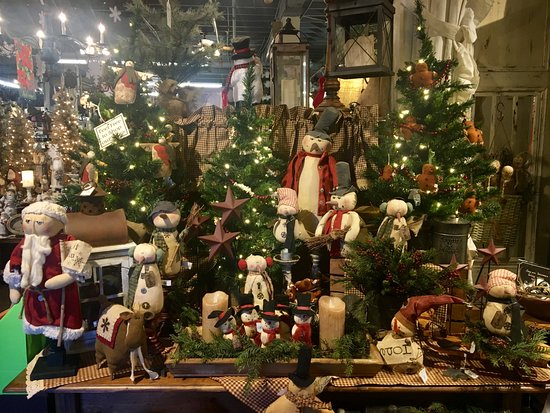 the country house adorable primitive christmas decor youll love
