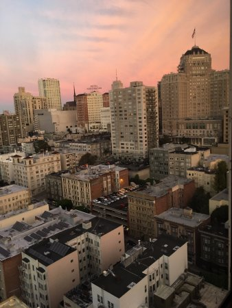 San Francisco Marriott Union Square: View from the bedroom