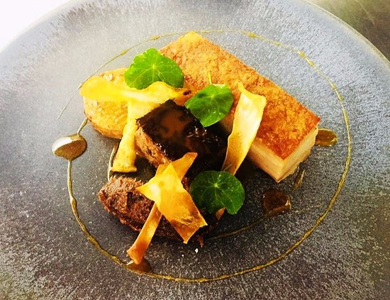 Farnham Common, UK: Our Tasting of Pork, which incorporates Pork Belly, Apple Caramel, Pressed Cheek & Bacon Jam