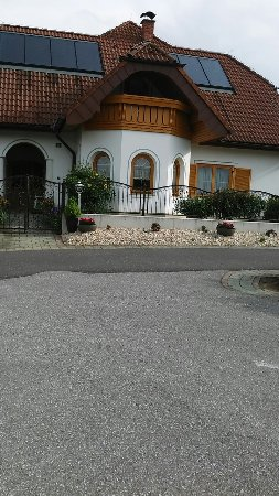 Jennersdorf, Østrig: 20170505_083917_large.jpg