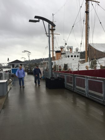 "Columbia River Maritime Museum: Leaving the ""light boat"" to return to the museum."
