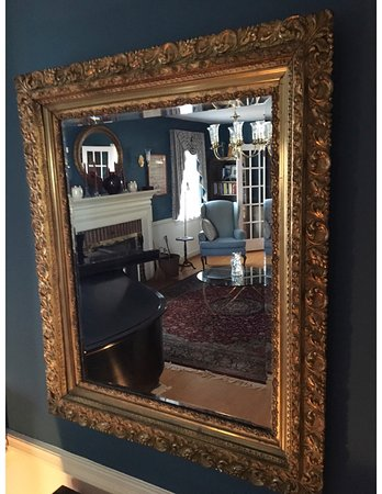 Berryville, VA: Gilt Frame restored by Peter Miller