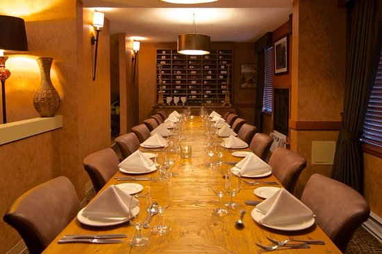 Executive Inn At Whistler Village: Tuscan Private Meeting Room