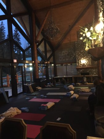 Fernie, Canada: Mountain Yoga Retreat