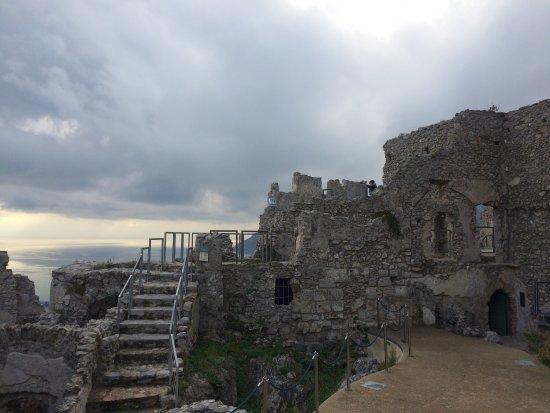 Castello di Arechi: photo2.jpg