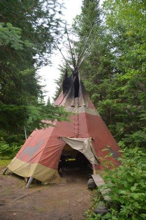 Lac-Édouard, แคนาดา: Innusit vilage the teepee where we slept