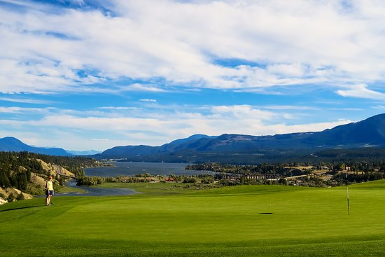 Invermere, Canada: view from the 18th green