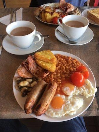 Frampton Cotterell, UK: Large full breakfast
