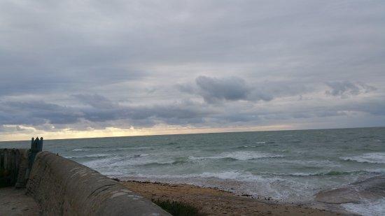 Saint Clement des Baleines, Frankrijk: Uferpromenade am Phare des Baleines